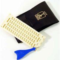 Kunststoff-Schreibtafel, 4 Zeilen x 15 Formen, mit Griffel und Etui