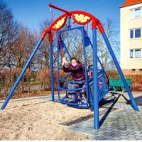 Rollstuhlfahrer-Schaukel zum Aufdübeln