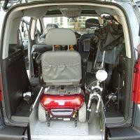 Heckeinstieg mit Fahrzeugabsenkung