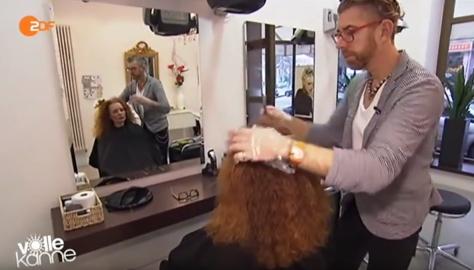 Quelle: YouTube / ZDF, Volle Kanne - gehörloser selbstständiger Friseur