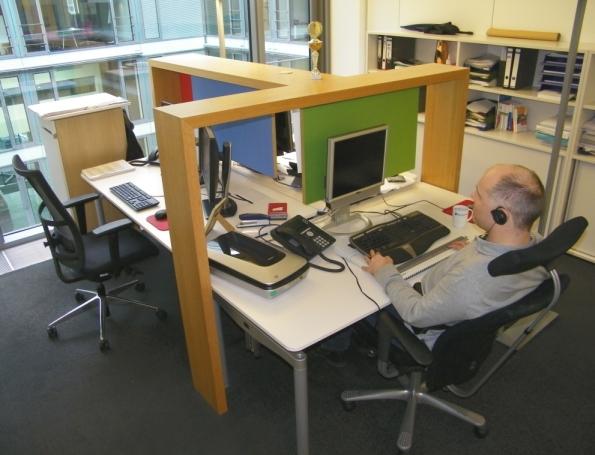 Brailledrucker im Schallschutzwagen