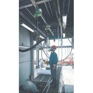 Druckluftkettenzug im Einsatz