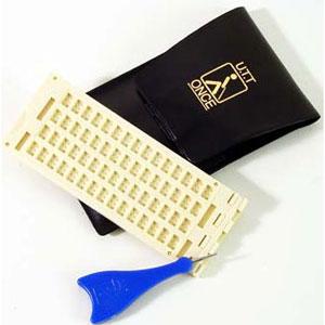 Kunststoff-Schreibtafel, 4 Z x 15 F, mit Griffel und Etui