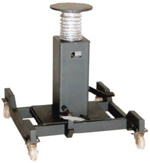 Fahrbarer Einzeltisch mit zwei Bremsrollen