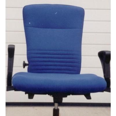 Arbeitsstuhl David mit extrabreitem Sitzpolster