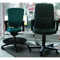 Arbeitsstuhl David im Vergleich zu herkömmlichem Bürostuhl