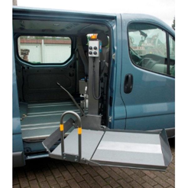 Rollstuhllift SF-350 III ausgeschwenkt