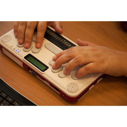 Notizgerät Braille Sense U2 in Betrieb