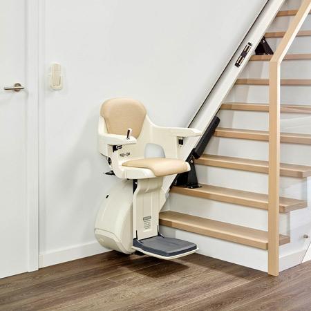Treppenlift Levant - Treppenaufzug mit festem Sitz