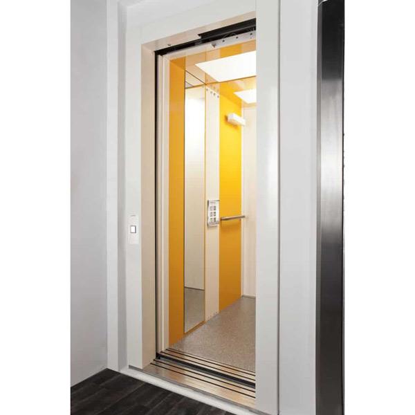 Privataufzug Vestner , normgerechte Aufzugkabine