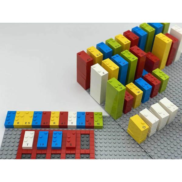 Legosteine mit Braille-Bedruckung