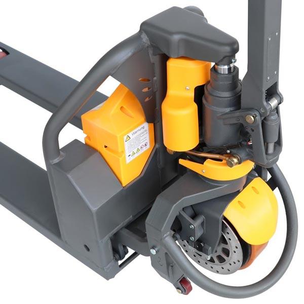 Elektrohubwagen mit Anfahrhilfe