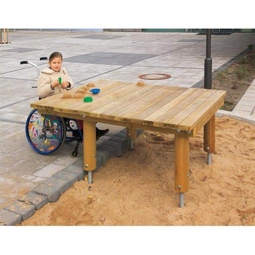 Unterfahrbarer Sandspieltisch