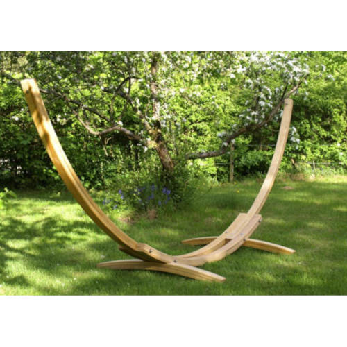 Hängemattengestelle aus Holz und Stahl