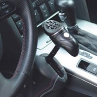 Handgerät für Gas und Bremse bei geringer Restkraft
