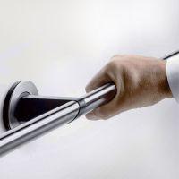 82 8407 Ergonomischer Eck-Handlauf mit Zusatzstütze für Einhängesitz - A100 / 82 8406 gerader Handlauf