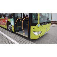 Allgemeine Beschreibung: Bus mit höhenverstellbarem Fahrwerk